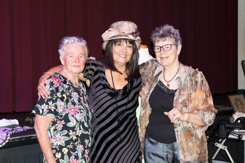 Helen, 'Mabel' & Janis