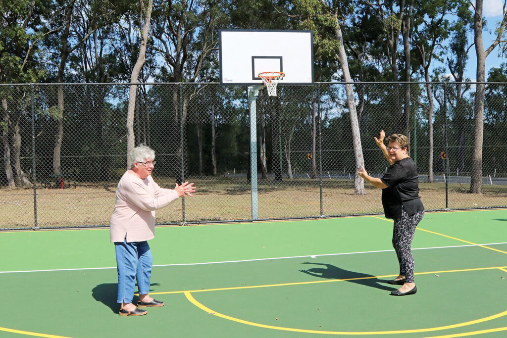 Penny and Trish 'Trying Out' New Basketball Hoop