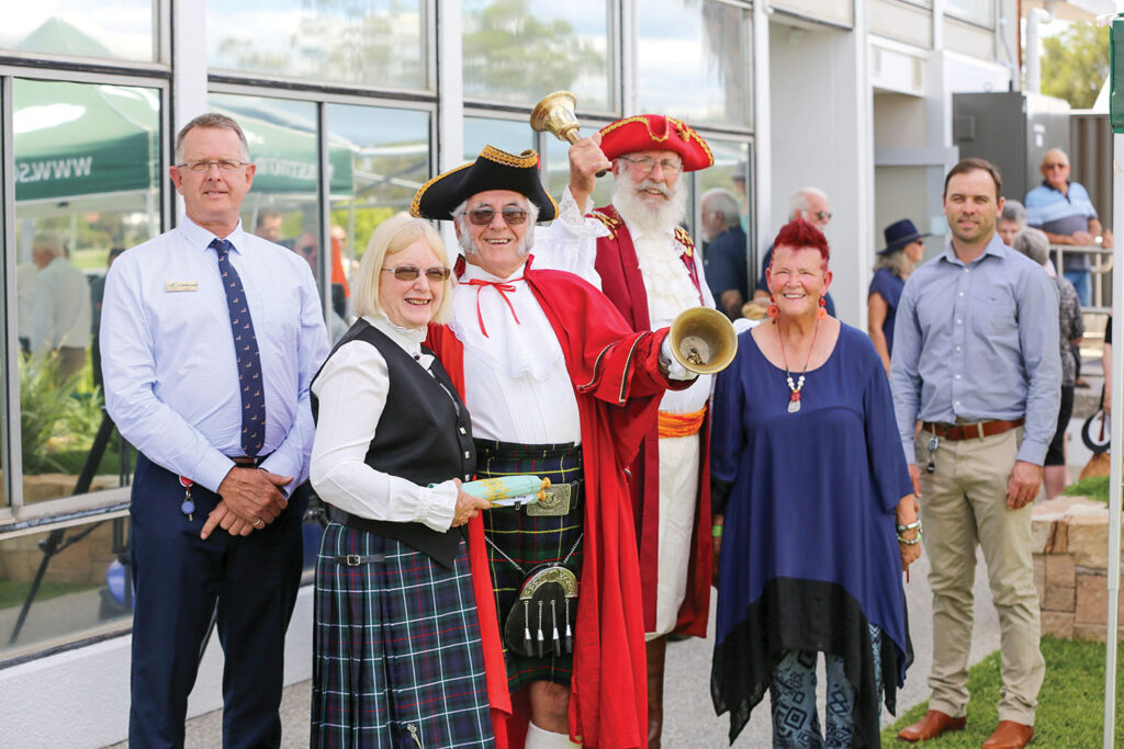 Town Crier 'Cry-Off'